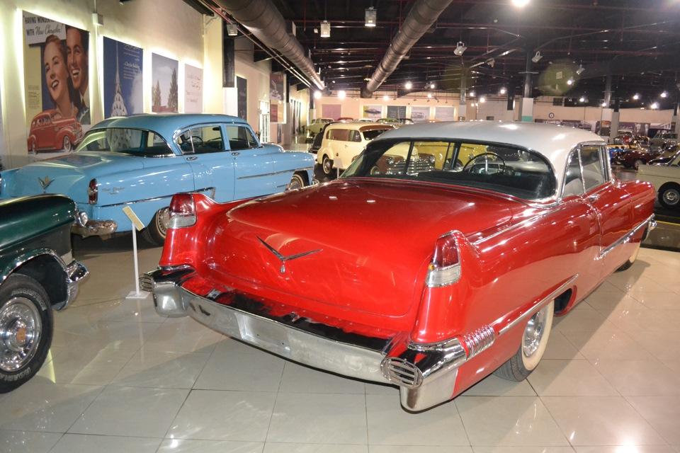 Шарджа музей автомобилей
